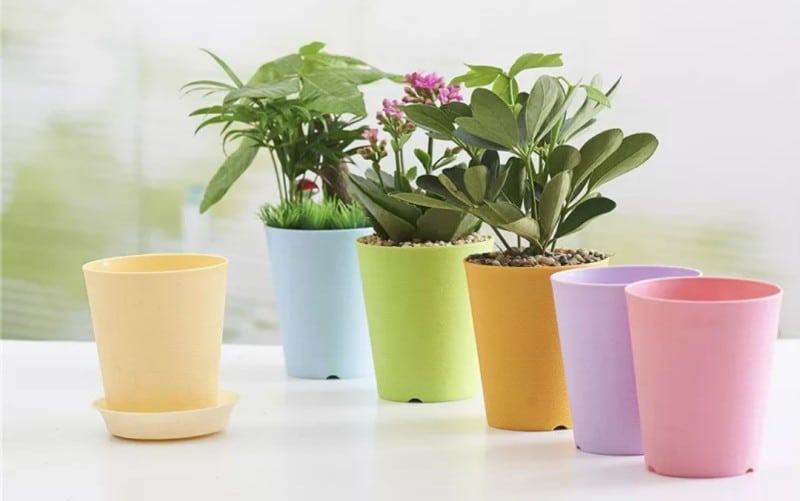 Горшки для цветов из пластмассы